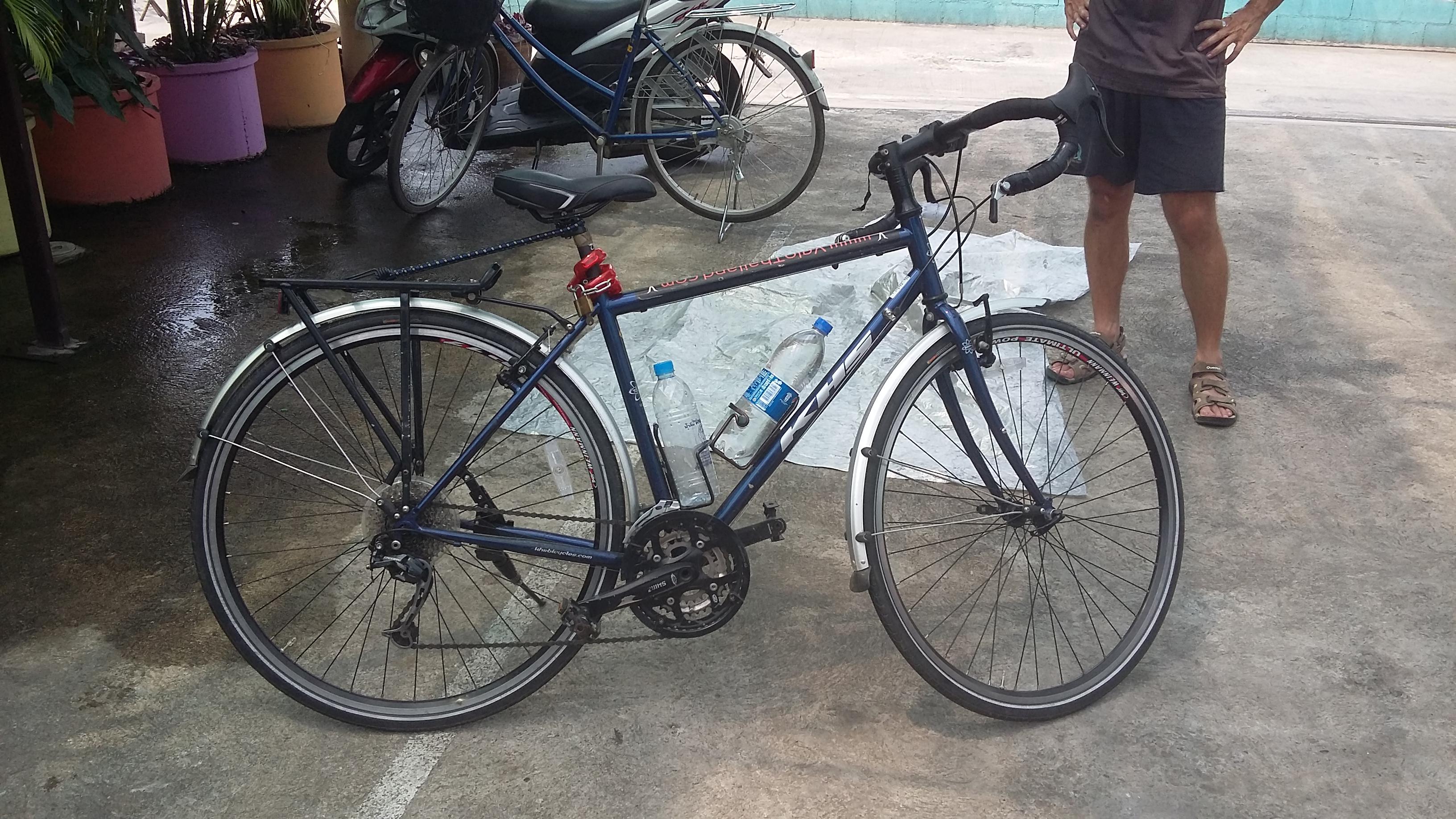 Sale touring bicycle KHS + rear bags BANGKOK 400$   Warmshowers.org
