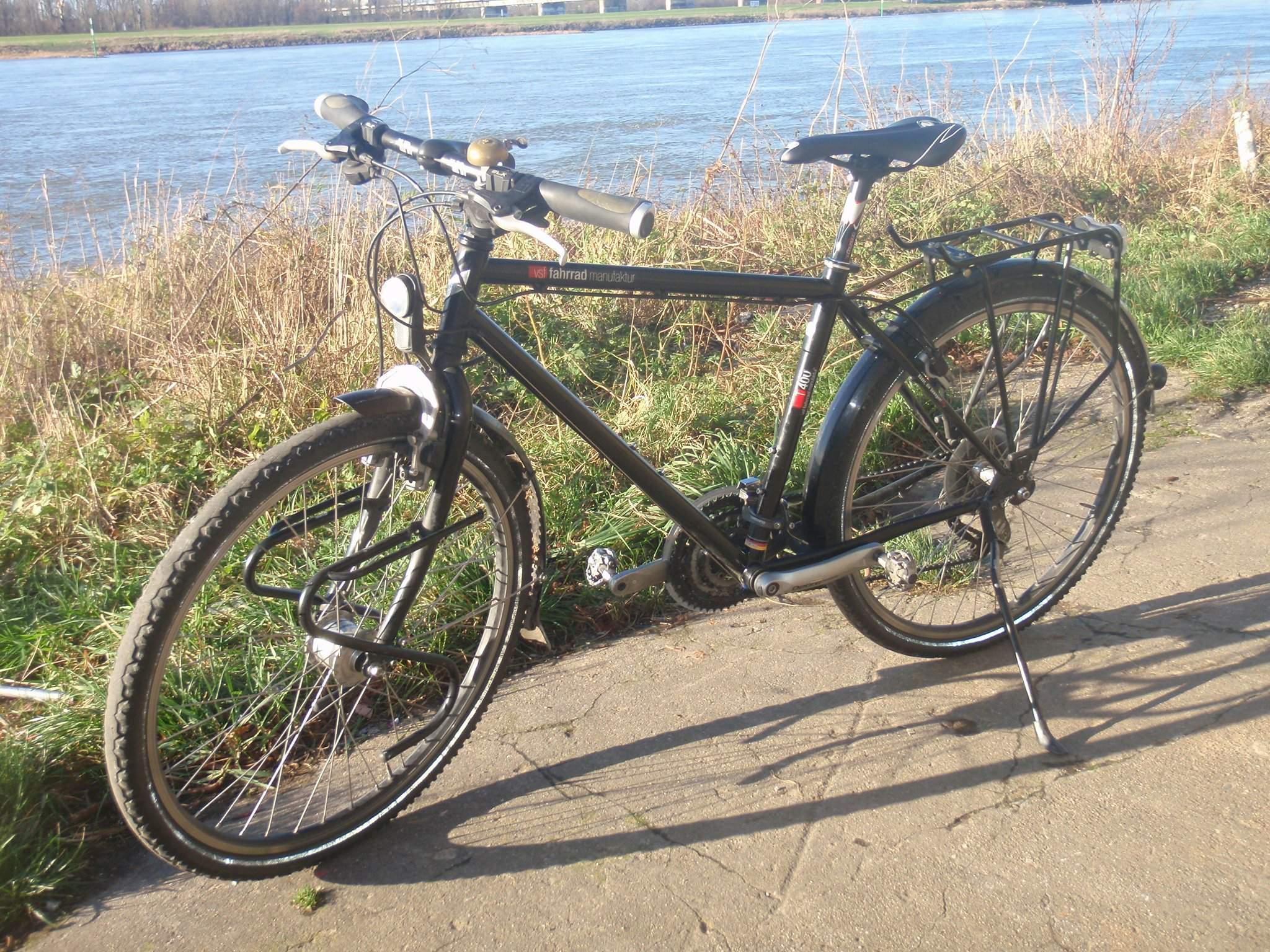 Christchurch, NZ. Buy a 2010 touring bike, 47cm frame, 26\
